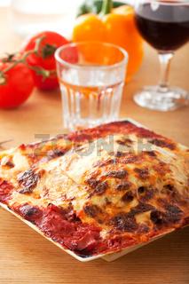 Lasagne und Gemüse