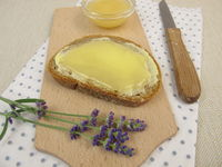 Butter bread with lavender honey