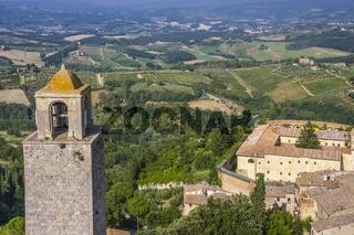 Stadt San Gimignano und Landschaft, Toskana, Italien