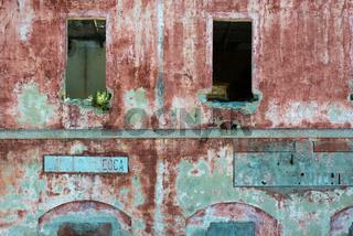 Verfallenes Haus am Pass Genna Silana, Sardinien