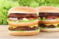 Doubleburger Double Burger Hamburger frischer Käse Tomaten