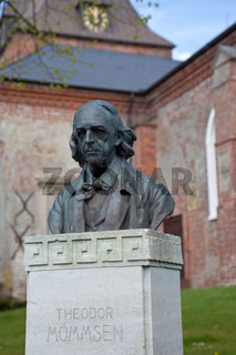 Theodor Mommsen Bueste; Garding
