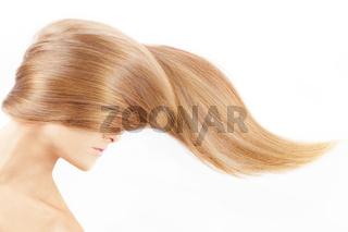 The female head closed by a fair hair