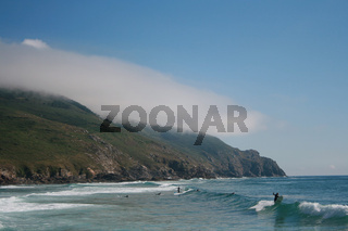 Surfer in Finsiterra