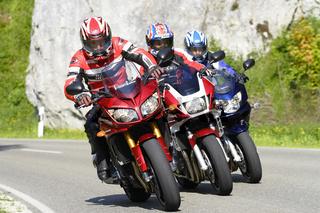 Drei Motorräder unterwegs, Suzuki Honda, Yamaha
