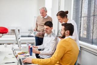 Kreative Designer in einem Meeting