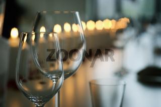 Leere Weingläser   Empty wineglasses 
