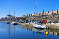 die Stadt Saint-Malo in der Bretagne, Frankreich - walled town of Saint-Malo in Brittany, France