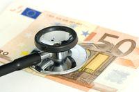 Stethoskop auf Fünfig-Euro-Schein (no pr)