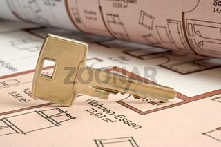 Hausschlüssel auf Bauplan