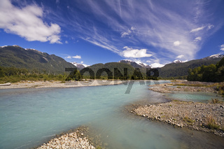 Fluss- und Berglandschaft entlang der Carretera Austral, Patagonien, Chile, river and mountains, Carretra Austral, Patagonia, Chile