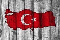 Karte und Fahne der Türkei auf verwittertem Holz - Map and flag of Turkey on weathered wood