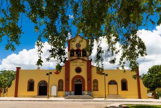 Die berühmte historische Kirche Saint Lazarus in Havana Cuba  - Serie Cuba Reportage