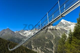 Charles Kuonen Hängebrücke, längste Fussgänger-Hängebrücke der Welt, Randa, Wallis, Schweiz