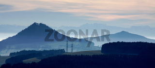 Blick über die Hegauberge  bis zu den Alpen