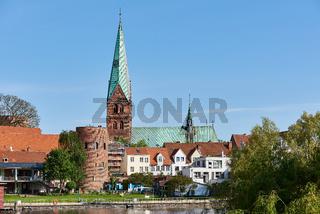 Aegidienkirche mit Krähenteich