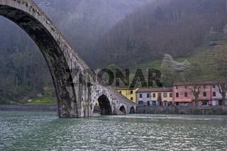 Ponte della Maddalena / Stone bridge