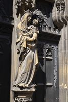 Colmar, Madonna statue on the facade of the Collegiate Church Saint-Martin