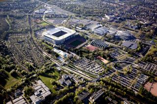 Bundesliga Stadion von Borussia Dortmund mit den Dortmunder Westfalenhallen.