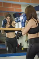 Box training of a young woman