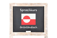 Sprachkurs mit Flagge auf Tafel - Language course with flag on board