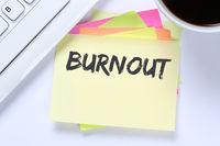 Burnout krank Krankheit im Job Stress Business Schreibtisch
