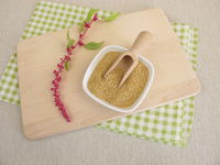 Raw amaranth seeds