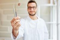 Handinstrumente der Zahnmedizin