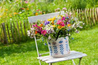 Bunter Sommerblumenstrauß