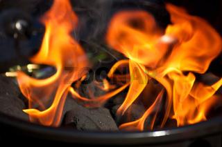 Feuer im Grill