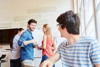 Meeting von Studenten als Start-Up