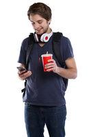 Student mit Handy Smartphone Cola Getränk junger Mann jung Jugendlicher Freisteller