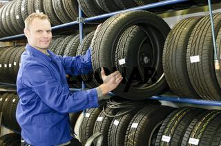 Autowerkstatt Reifenlager