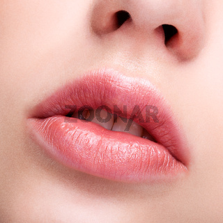 female pink  plump lips makeup