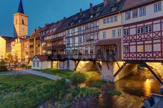 Die Krämerbrücke in Erfurt mit ihren alten Fachwerkhäusern