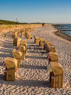 Strandkörbe an der Ostseeküste in Wustrow