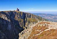 Schneegruben und Schneegrubenbaude im Riesengebirge - Snowy Cirque and Mountain hut in Giant  Mountains in Silesia