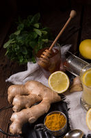 lemon- ginger lemonade with honey