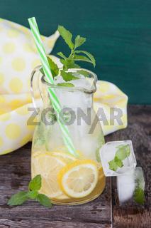 Hausgemachte Limoande