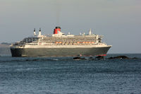 Queen Mary 2 with pilot boat