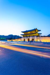 Gyeongbokgung Gate Dusk Streaking Car Lights V
