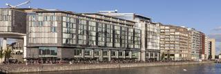 Oosterdok mit Hilton Hotel Double tree und Bibliothek, Amsterdam