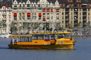 Fährboot auf dem Genfersee, Genf, Schweiz