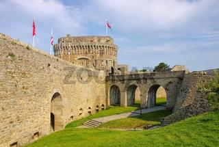 die Burg in Dinan in der Bretagne, Frankreich - castle of Dinan in Brittany, France