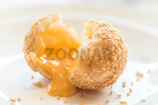 sesame balls stuff with custard lava