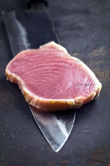 Tuna Tataki Filet on Yanagiba Blade
