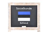 Sozialkunde mit Flagge auf Tafel - Social studies with flag on board