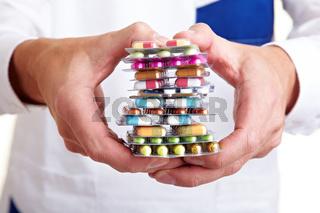 Stapel voller bunter Pillen