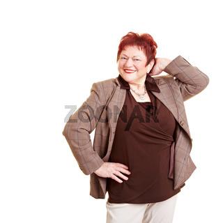 Lachende Seniorin mit Übergewicht