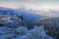 Elbsandsteingebirge im Winter Aussicht Domerker - Elbe sandstone mountains in winter and hoarfrost, viewpoint Domerker